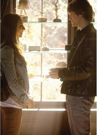 Paige Kisses Emily! Recap of Pretty Little Liars Season 1, Episode 17