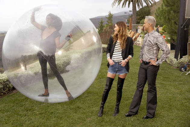 It's Back! Bubble Girls Walk on Water on ANTM Cycle 16, Episode 1