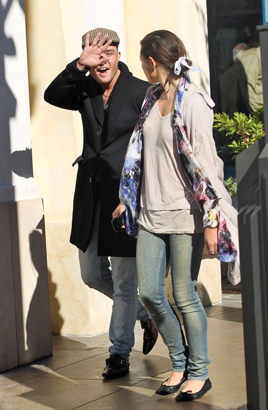 Ed Westwick and Phoebe Tonkin: New Couple Alert? Phoebe Tonkin And Ed Westwick