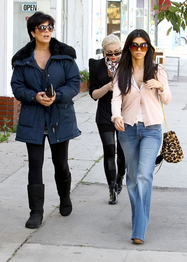 """I'd Rather Eat Subway"" and More Quotes from Kourtney & Kim Take New York Season 1, Episode 9"