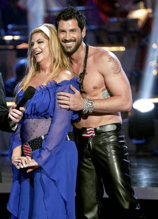 Maks Goes Shirtless! John Travolta Guest Stars! DWTS Season 12 Week 5