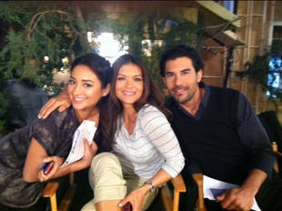 Is Emily Moving to Texas on Pretty Little Liars Season 2?