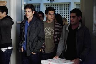 "Who Is ""A""? Top Suspects From Pretty Little Liars Season 2, Episode 1: ""It's Alive"""