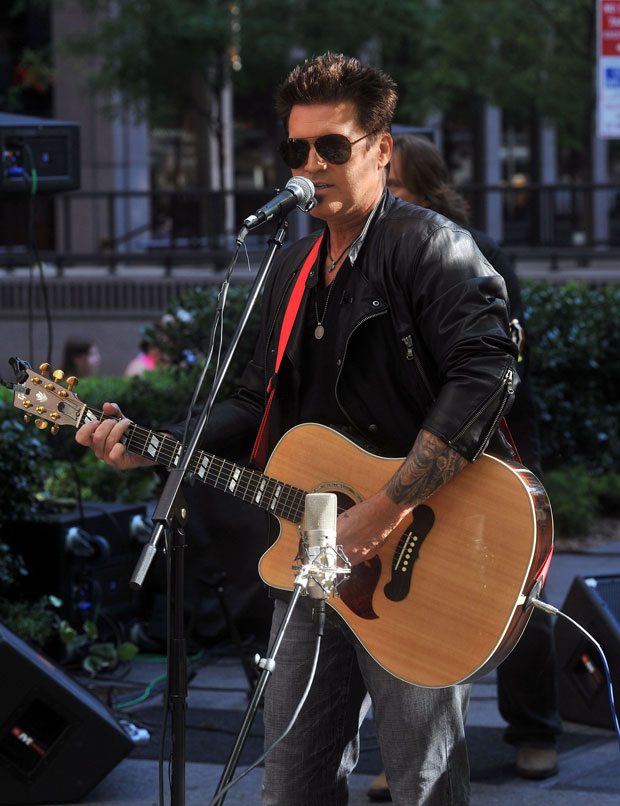 Billy Ray Cyrus to Guest Star on Season 4 of 90210