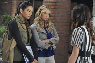 Pretty Little Liars Fashion: Get Emily's Military Chic Outfit From Season 2, Episode 17