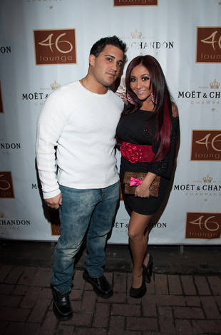 A Wedding Date and a Lorenzo Milestone: Snooki and Jionni Relationship Roundup 10/12