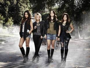 Spoilers, Season 3 Wraps, and Ashley Benson's Threesome: Pretty Little Liars Week in Review: 11/16