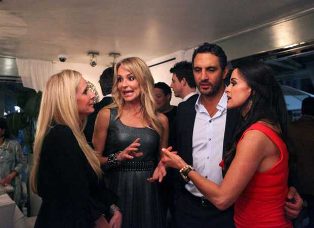 "Real Housewives of Beverly Hills Recap of Season 3, Episode 1: ""Down and Left Out in Beverly Hills"""