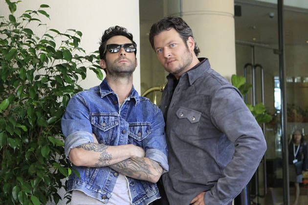 """Adam Levine and Blake Shelton Talk About the """"Different Chemistry"""" With Usher and Shakira Joining The Voice Season 4"""
