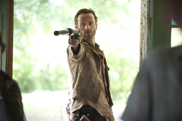 The Walking Dead Season 3 Spoilers: Rick Goes Ax Crazy, Woodbury Gets Brutal on Episode 5