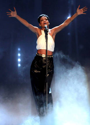 Rihanna to Perform on The Voice Season 3 Live Finale, Dec. 18, 2012