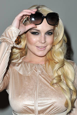 Lindsay Lohan to Host Saturday Night Live on March 3
