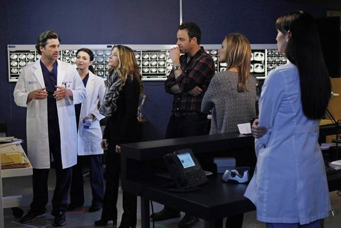 Arm Meets Meat Grinder: OMG Moments From Grey's Anatomy Season 8, Episode 15