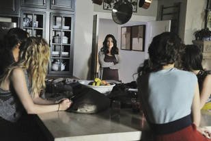 "Pretty Little Liars Spoiler: Marlene King Says ""A"" Is One Person, Will Be Back for Season 3"