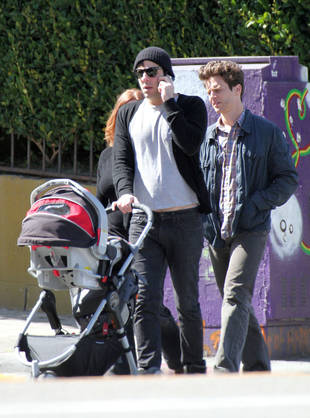 Spotted: Jonathan Groff, His Rumored Boyfriend Zachary ...