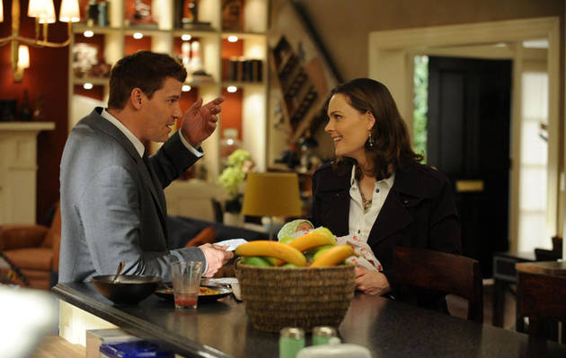 Bones Spoilers! Hart Hanson Talks Death, Babies, and Season 8