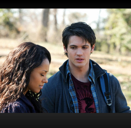 Do You Want Bonnie to Use More Dark Magic in The Vampire Diaries Season 4?