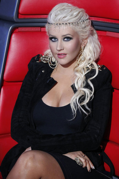 Christina Aguilera's Craziest Outfits From The Voice ...