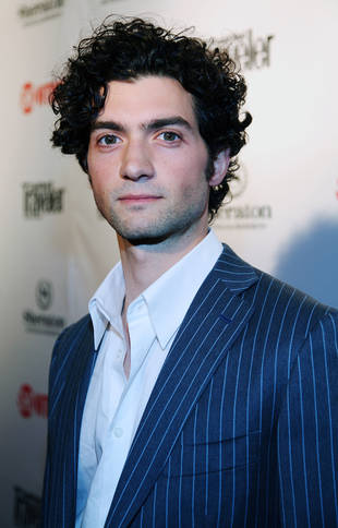 Vampire Diaries Casts David Alpay as a Professor in Season 4
