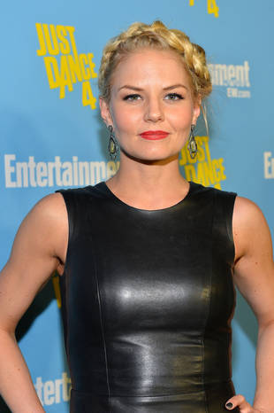 """Jennifer Morrison Hints Emma Might Be """"Capable"""" of Magic on Once Upon a Time Season 2"""