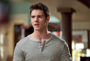 "Steven R. McQueen: Jeremy Will ""Explode"" in The Vampire Diaries Season 4"