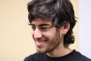 Reddit Co-founder Aaron Swartz Commits Suicide at Age 26