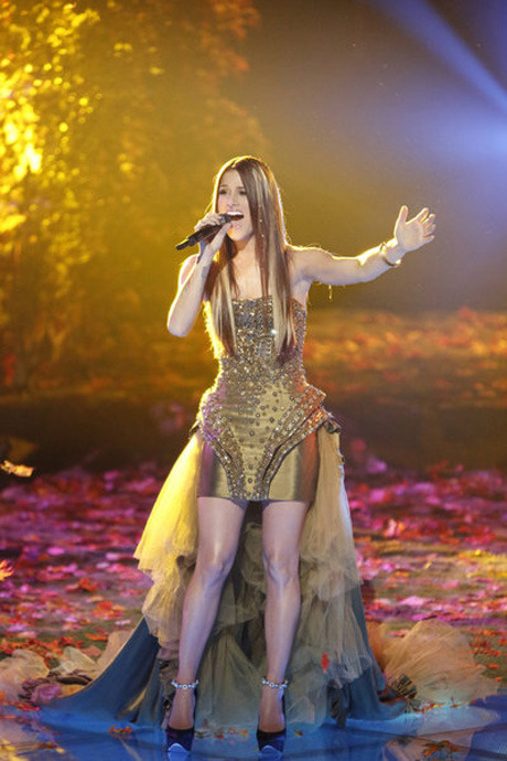 Cassadee Pope Wants to Release a Single by Mid-January, Have an Album Out by February 2013