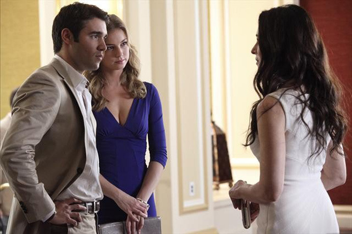 "Revenge Show Creator Claims Season 2 Will ""Feel as Satisfying, if Not More So,"" Than Season 1"