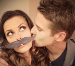 Zach Roerig Kisses Vampire Diaries Co-Star Olga Fonda (PHOTO)