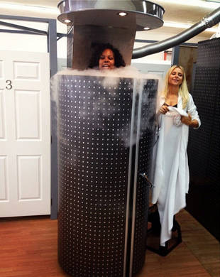 "Amber Riley's Cryotherapy For Dancing With the Stars Injuries: Stuck Inside ""Torture Chamber""?! (PHOTO)"