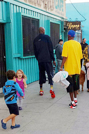 Lamar Odom Spotted out With Dad Joe — Are They Making Up? (PHOTO)