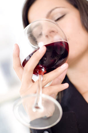 Drinking Wine May Reduce Chance of Getting Pregnant — Report