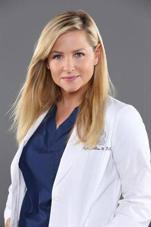 "Grey's Anatomy's Jessica Capshaw on Arizona and Leah: ""I Don't See It As Infidelity"""