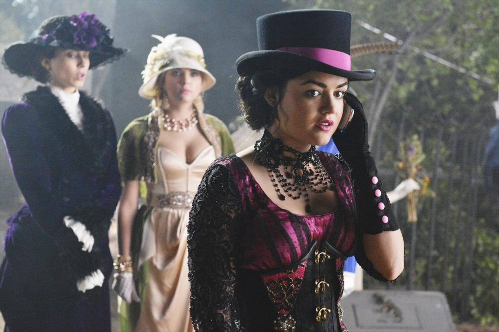 Pretty Little Liars Spoilers: Is Aria Free Falling in Season 4, Episode 20?