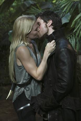 """Once Upon a Time Spoilers: Colin O'Donoghue Teases Emma and Hook's """"Connection"""" — Exclusive"""