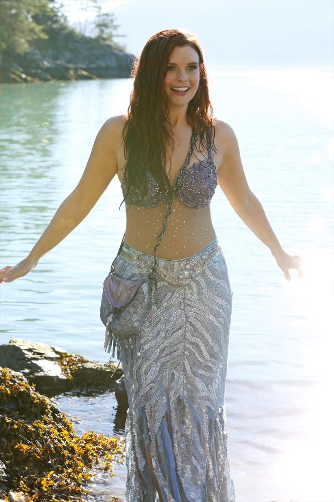 """Once Upon a Time's JoAnna Garcia Swisher: """"Ariel Gets Around"""" in Many Realms — Exclusive"""