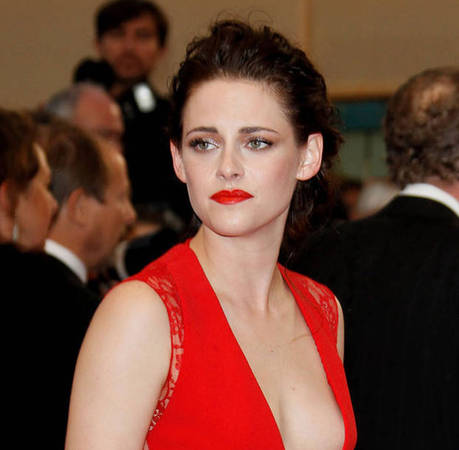 Kristen Stewart Goes Swimming in Her Underwear With Naked Juliette Binoche
