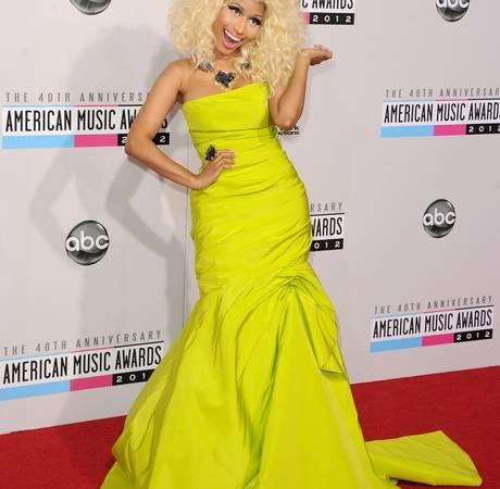 "Nicki Minaj Addresses Zac Efron Fling Rumors: ""Who?"""