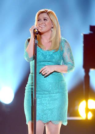 Kelly Clarkson: I Want Babies Right Away, and I Already Picked Names