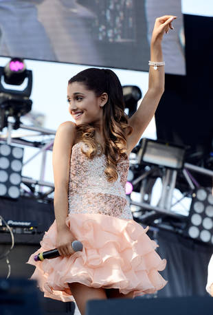 """Dancing With the Stars 2013: Ariana Grande and Mika Perform """"Popular Song"""" on Week 6 (VIDEO)"""