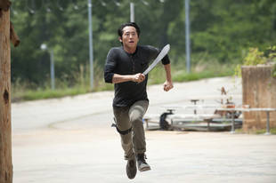 The Walking Dead Season 4: Does Glenn Rhee Recover From the Deadly Flu?