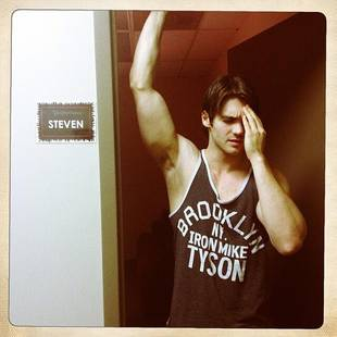 Janina Gavankar Posts Sexy Photo of Steven R. McQueen — Check Out His Arms!
