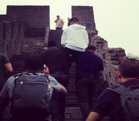 Watch: Justin Bieber Dances on the Great Wall of China (VIDEO)