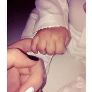 Kendall Jenner Posts Unbelievably Cute Pic With North West! (PHOTO)