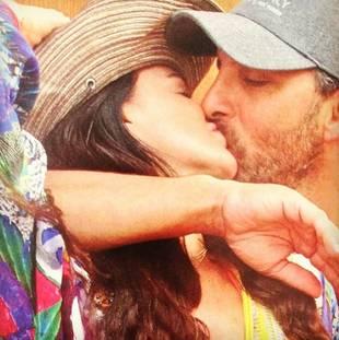 Kyle Richards and Sexy Hubby Mauricio Share Steamy Kiss (PHOTO)