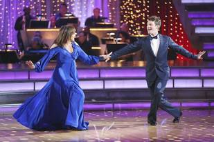 Dancing With the Stars 2013: Valerie Harper and Tristan MacManus's Week 4 Viennese Waltz (VIDEO)