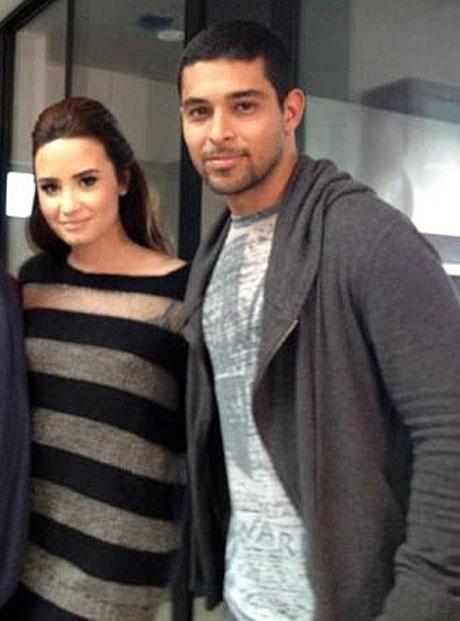 Who Are Glee's Naya Rivera and Demi Lovato Dating?