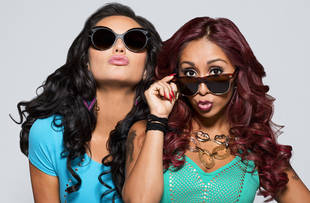 Snooki and JWOWW Show Off Their Crazy Height Difference: Opposite BFFs! (PHOTO)