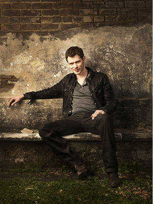 The Originals Star Joseph Morgan Critiques Klaroline Fan Art (VIDEO)