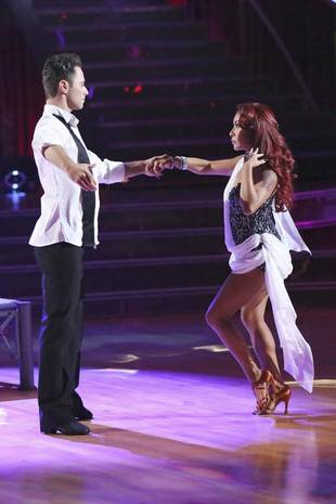 "Dancing With the Stars 2013: Nicole ""Snooki"" Polizzi and Sasha Farber's Week 3 Quickstep (VIDEO)"